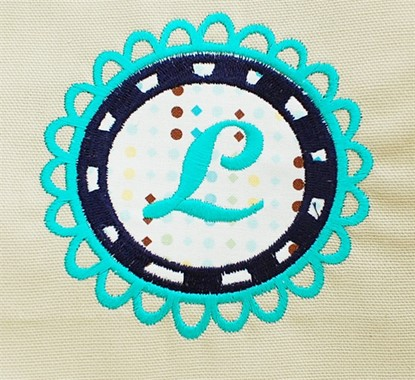 Picture of Scalloped Label Applique
